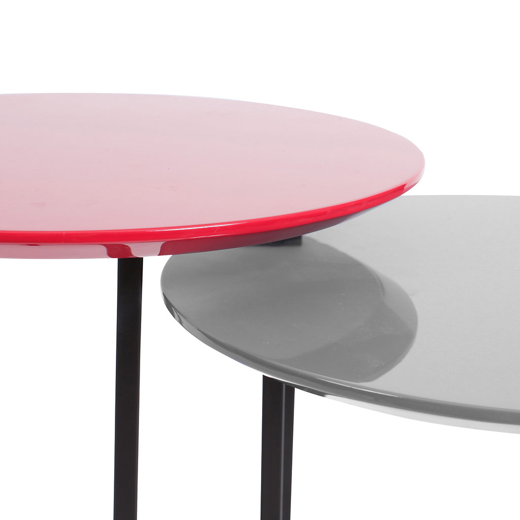 img-2 tables gigognes vernies rouge et grise pieds metal
